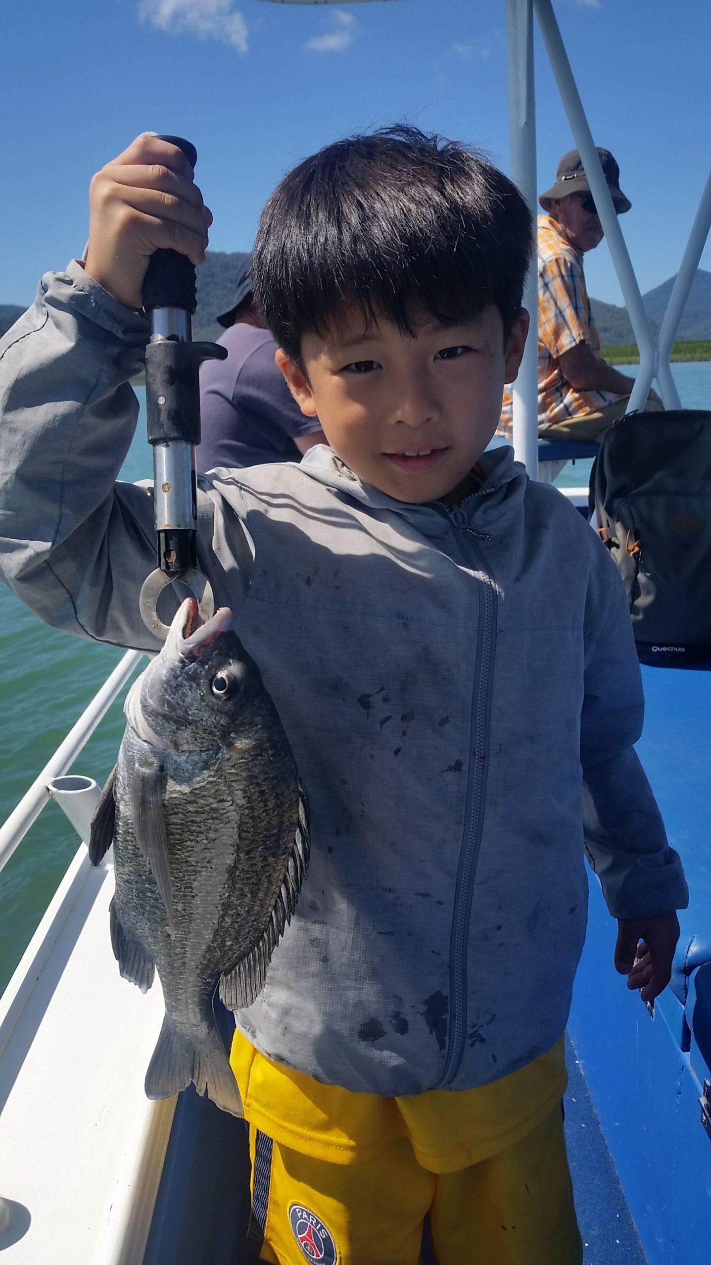 Estuary fishing with the kids for Bream
