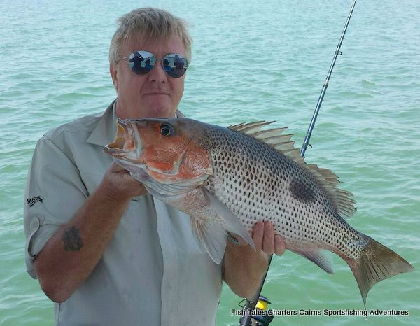 Davo and his 63 cm Fingermark (Golden snapper)